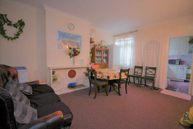 Thumbnail Flat for sale in Ripple Road, Barking
