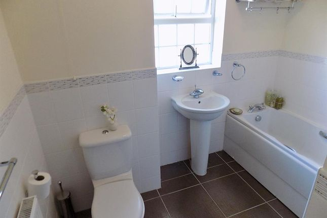 Family Bathroom of Vane Close, Wynyard, Billingham TS22