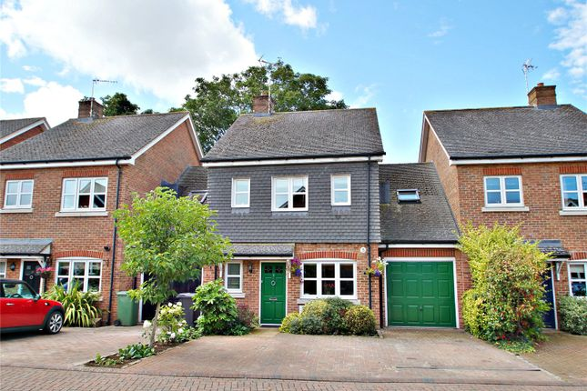 Thumbnail Detached house for sale in Siareys Close, Chinnor