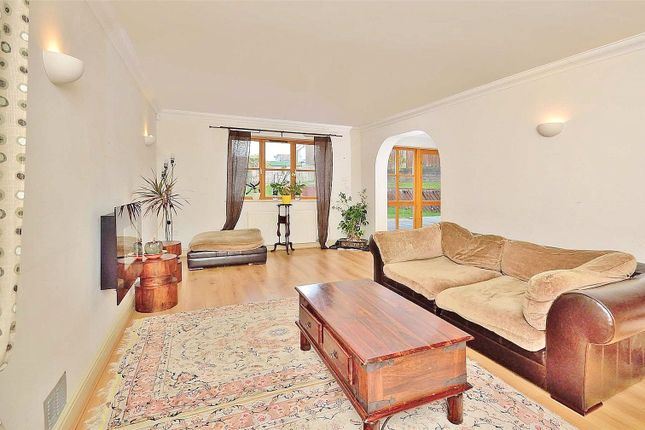 Lounge of Stable Lane, Findon Village, Worthing, West Sussex BN14
