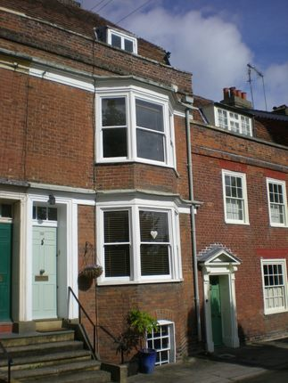 Thumbnail Town house for sale in Mansion Row, Gillingham