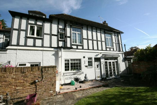 Thumbnail Semi-detached house to rent in Ferry Road, Bray, Maidenhead
