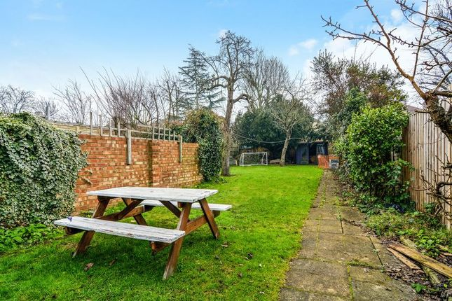 Thumbnail Maisonette to rent in Lewin Road, London