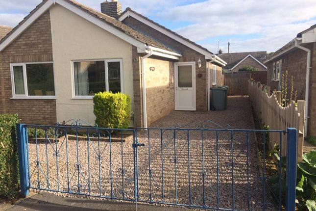 Thumbnail Bungalow to rent in Green Walk, Market Deeping, Peterborough