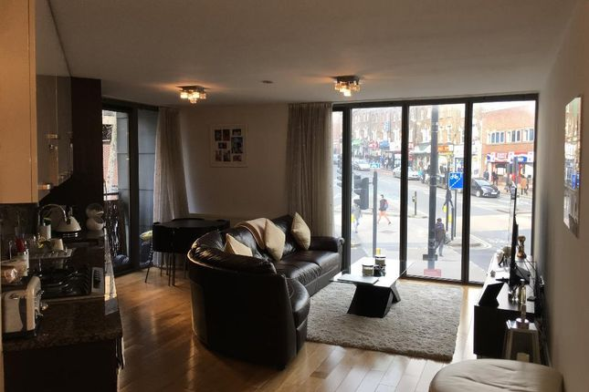 Thumbnail Flat to rent in High Road, Wood Green, London N22 6Dr
