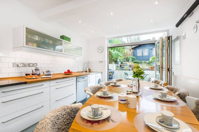 Thumbnail Property to rent in Archway Road, Highgate