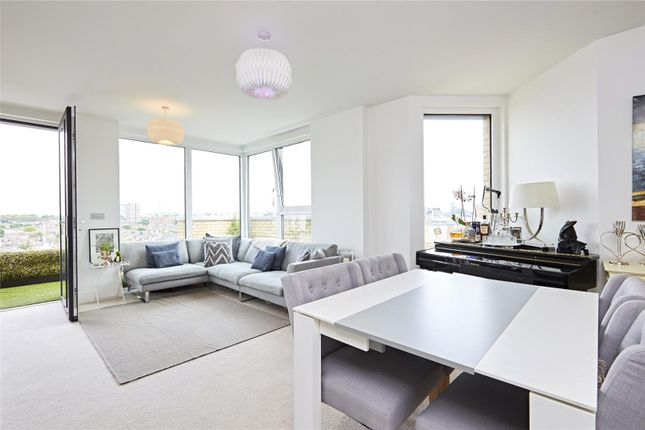 Thumbnail Flat for sale in Ingrebourne Apartments, 5 Central Avenue, Fulham, London