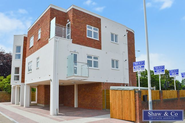 Flat for sale in West Drayton Road, Uxbridge, Middlesex