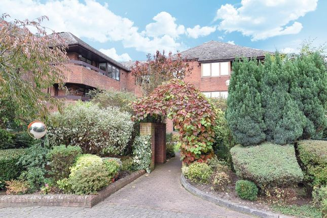 2 bed flat for sale in Bushey, Hertfordshire