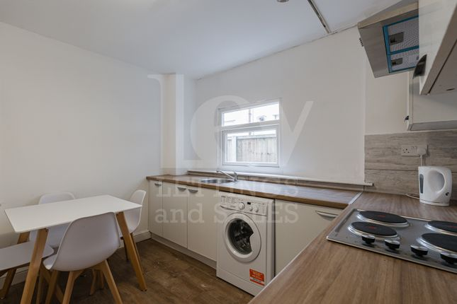 Terraced house to rent in Cambridge Road, Liverpool