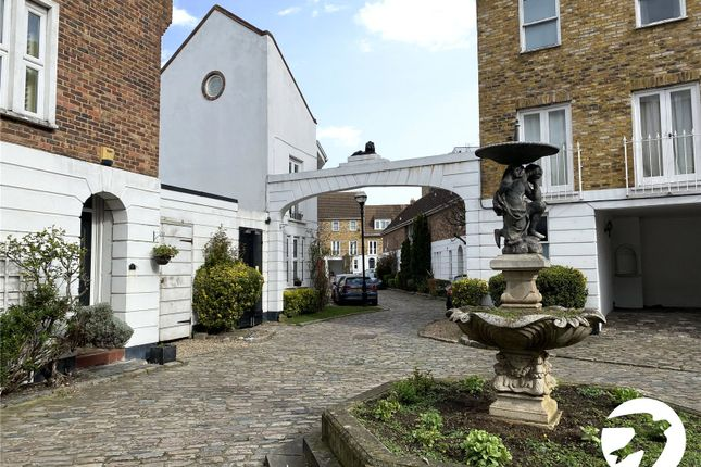Picture No. 03 of Robinscroft Mews, Greenwich, London SE10