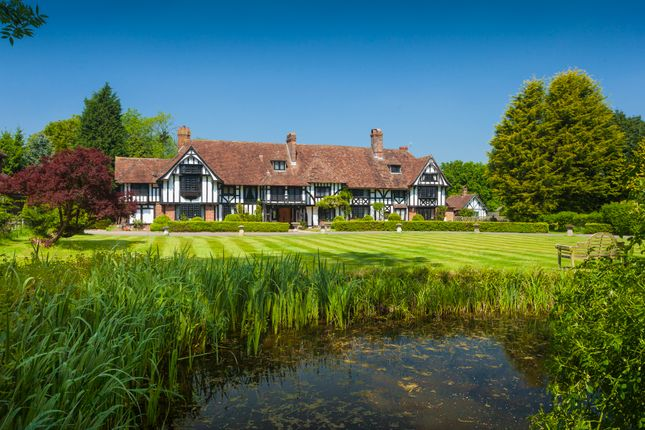Thumbnail Country house for sale in Old Ham Lane, Lenham