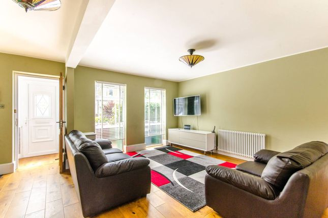 Thumbnail Property to rent in Boundary Road, Walthamstow, London