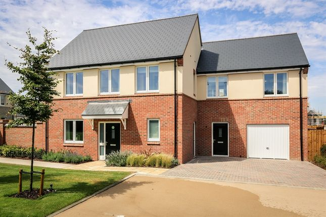 Thumbnail Detached house for sale in Banbury Road, Caversfield, Bicester