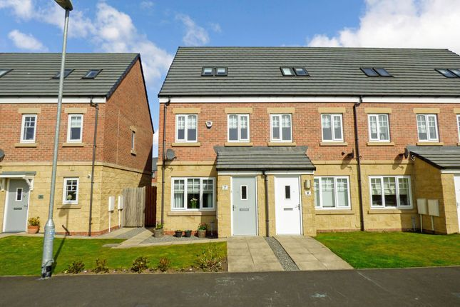 Thumbnail Town house for sale in Klondyke Walk, Blaydon-On-Tyne