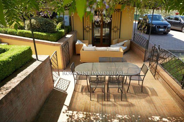 Trasimeno Lake: Villa For Sale Pool Garden