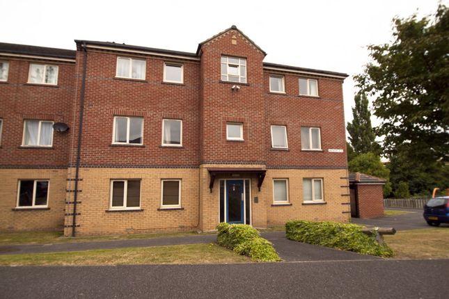 Thumbnail Flat to rent in Manor Oaks Gardens, Sheffield