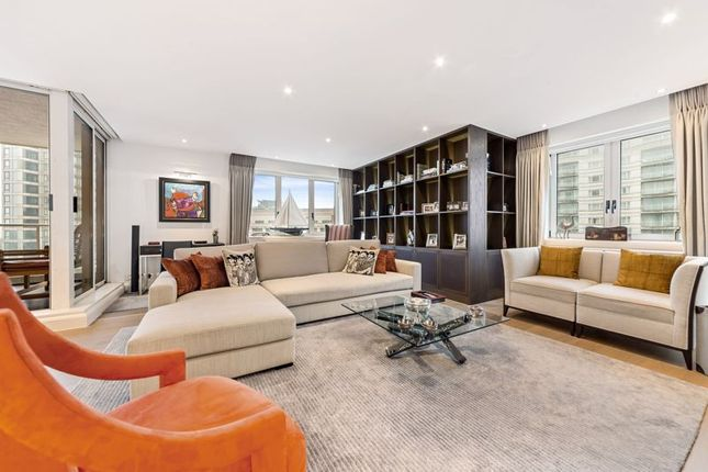 Thumbnail Flat for sale in King's Quay, Chelsea Harbour, London