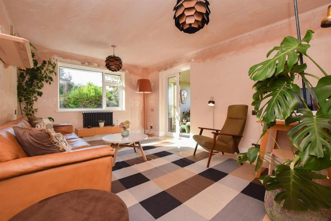 3 bed flat for sale in Hollington Park Road, St. Leonards-On-Sea TN38