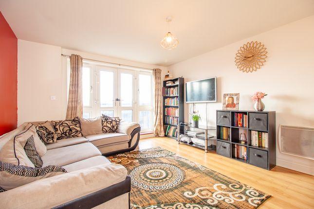 Living Room of Luscinia View, Napier Road, Reading RG1