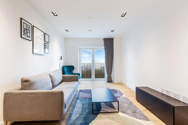 Thumbnail Flat to rent in Keybridge Tower, Vauxhall, London