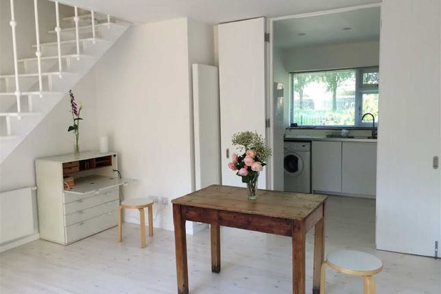 Thumbnail Property to rent in Vauxhall Walk, London