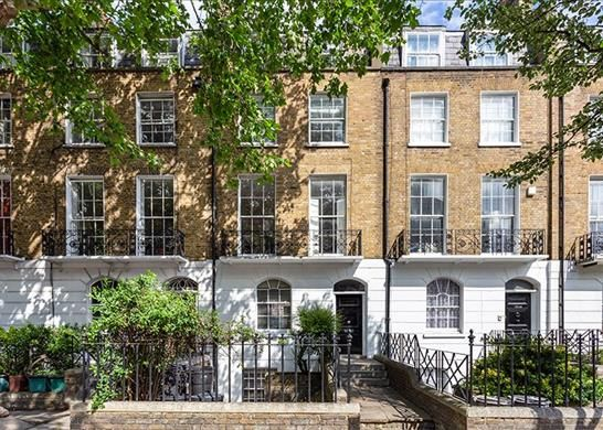 Thumbnail Flat for sale in Barnsbury Road, London