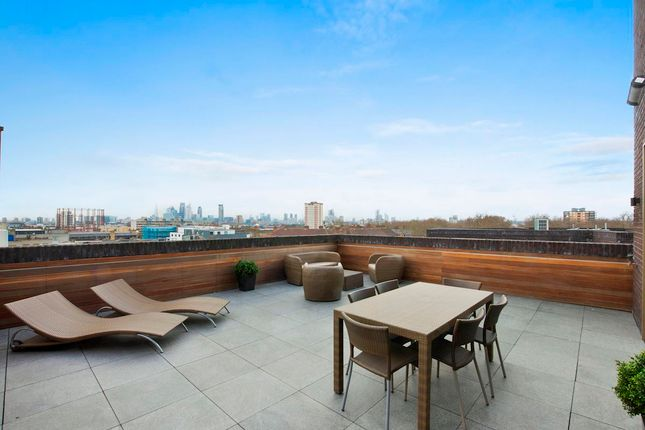 02Fd9Ae7-50F3-42Ae-8821-78Ba541264F0Cabsre - Flat 27, 1 Helmsley Place, E8 3Sb . Terrace . View 1.1-Medium