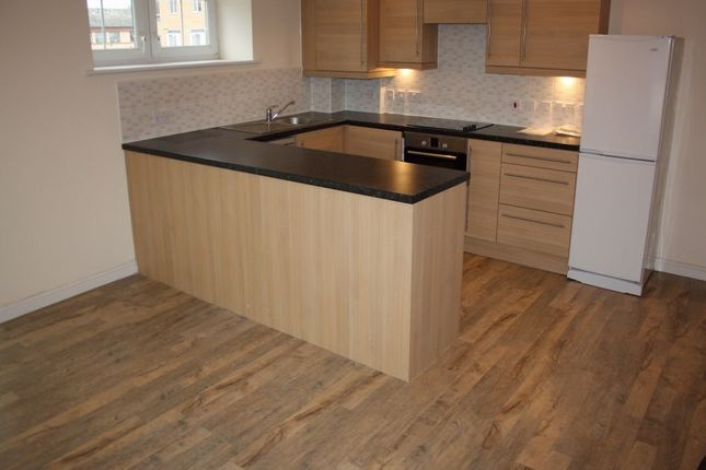 Thumbnail Flat to rent in Whitehall Close, Borehamwood, Hertfordshire, uk