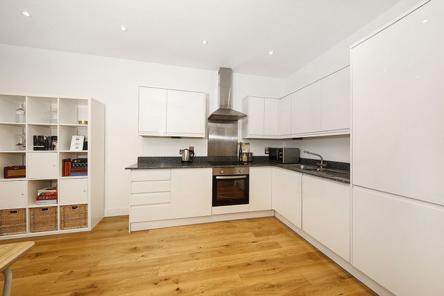 Kitchen of Lewisham Way, London SE4