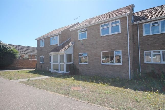 Main Picture of Ferndale Close, Clacton-On-Sea CO15