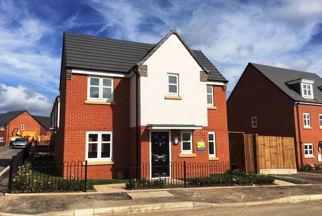 Thumbnail Detached house to rent in Chaucer Road, Walsall