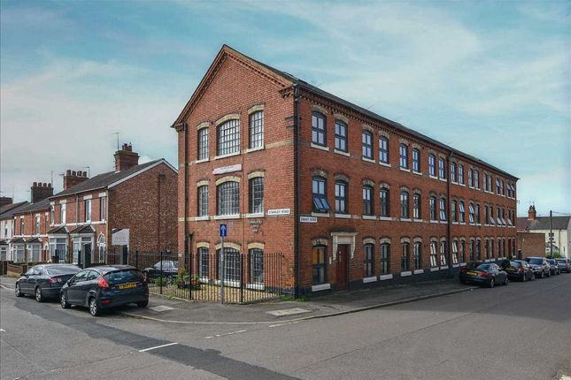 2 bed flat to rent in Cobblers Loft, Stanley Road, Wellingborough NN8