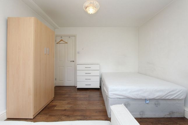 Room to rent in Brierley Gardens, Bethnal Green