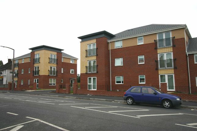 2 bed flat to rent in Aston Court, Crankhall Lane, West Bromwich