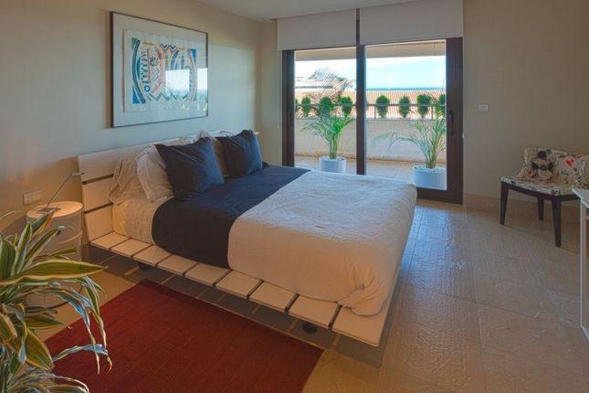Thumbnail Apartment for sale in Marbella, Costa Del Sol, Spain