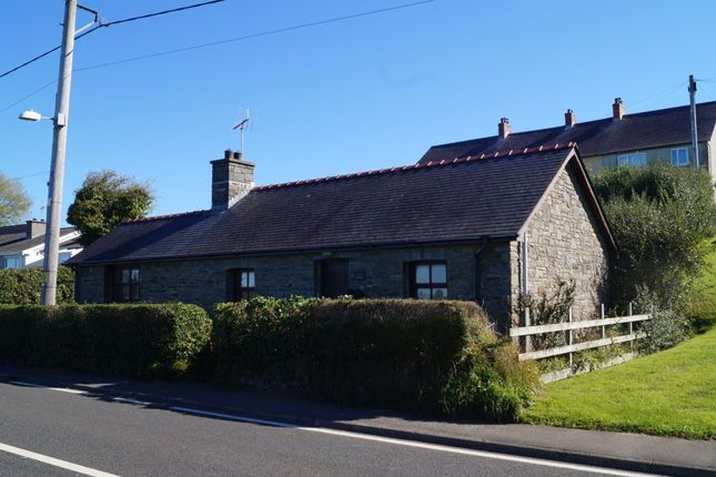 Thumbnail Detached house for sale in Ffosyffin, Aberaeron