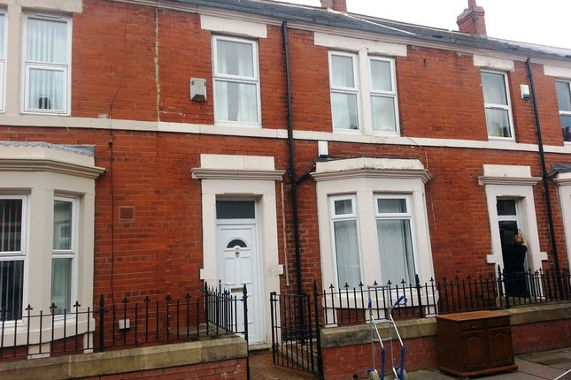 Thumbnail Terraced house to rent in Wingrove Avenue, Newcastle Upon Tyne