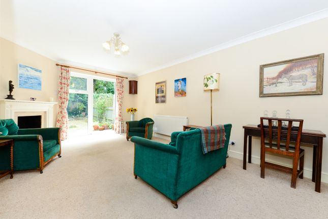 Thumbnail Bungalow for sale in Thurlow Park Road, Dulwich