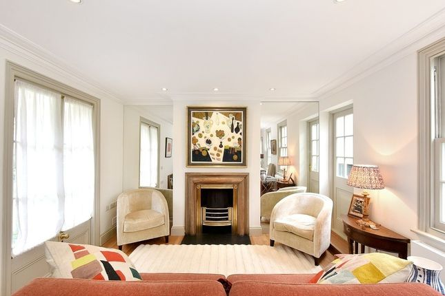 Thumbnail Property to rent in Upper Cheyne Row, Chelsea
