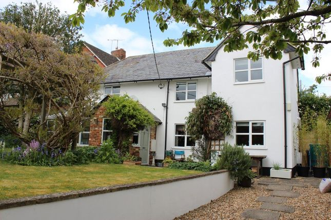 Thumbnail Cottage to rent in Upper Clatford, Andover, Hampshire