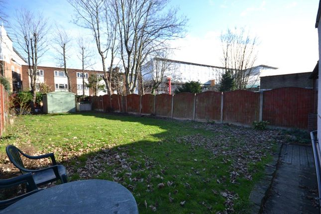 1 bed flat to rent in Connaught Road, Willesden Junction, London