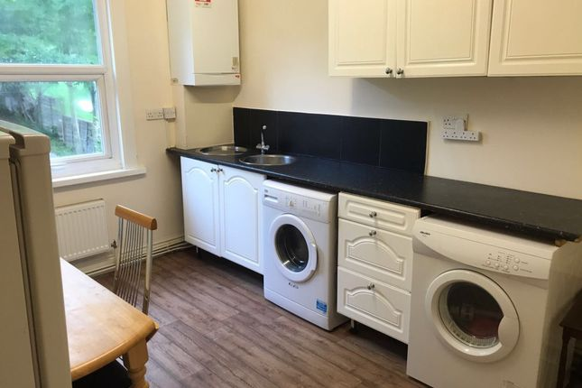 Thumbnail Flat to rent in Russell Rise, Caddington, Luton, Bedfordshire