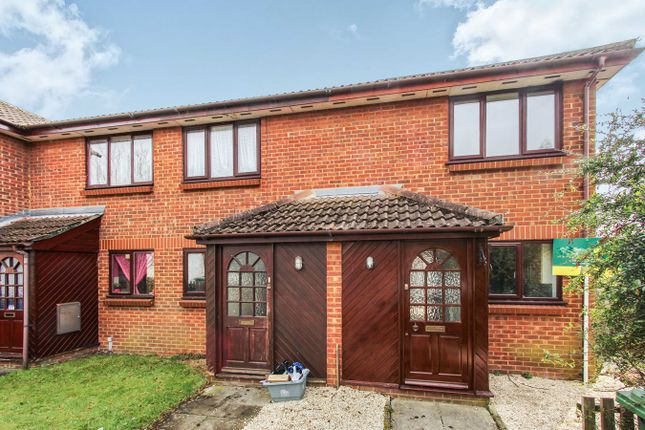 Thumbnail Property to rent in Hardy Close, Southampton