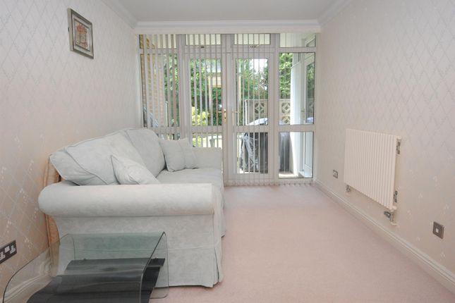 Bedroom Suite: (4)
