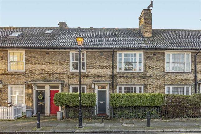 Thumbnail Flat to rent in Shipton Street, London
