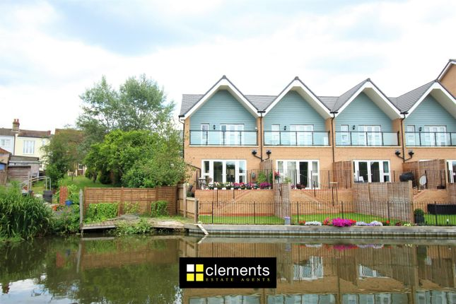 Thumbnail End terrace house to rent in Bridgeview Close, Hemel Hempstead