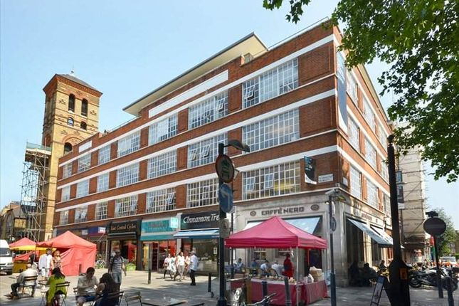 Serviced office to let in Joseph Trotter Close, Finsbury Estate, London