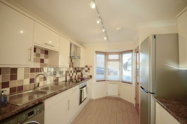 Thumbnail Property to rent in Gardens Close, Stokenchurch, High Wycombe