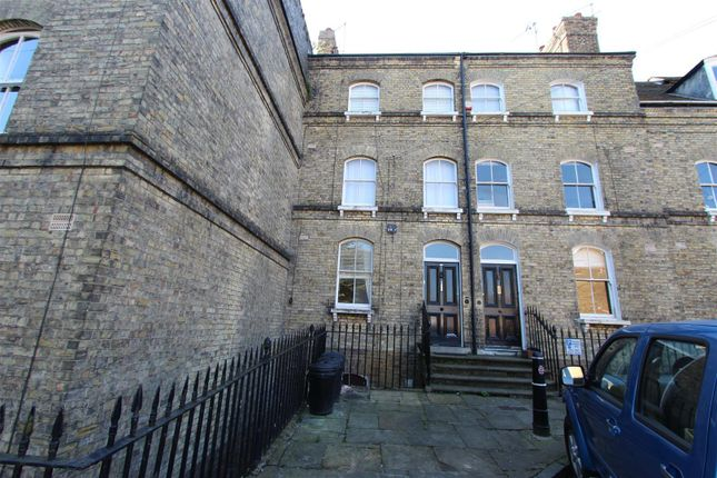 1 bed flat to rent in The Terrace, Rochester ME1
